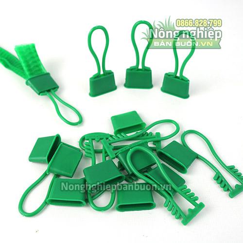 Móc khóa dành cho túi lưới nhựa màu xanh (1kg)